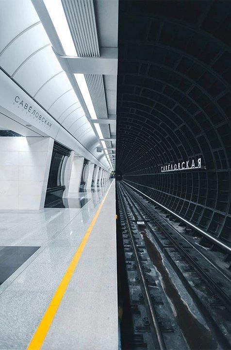 """Foto elegida por el público. Nombre: Estación de metro. Autor: Alexandr Bormotin. Descripción: """"La nueva estación del subterráneo de Moscú, combina un estilo futurista con uno clásico""""."""