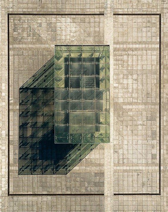 """Nombre: Axonometría. Autor: Grzegorz Tatar. Descripción: """"Vista aérea de la entrada subterránea del Foro Nacional de la Música en Breslavia, Polonia. Es un excelente ejemplo de perspectiva axonométrica en arquitectura""""."""