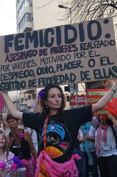 Uno de los carteles elaborados en la primera marcha Ni Una Menos en Córdoba, junio de 2015. (Rocío Curtti)