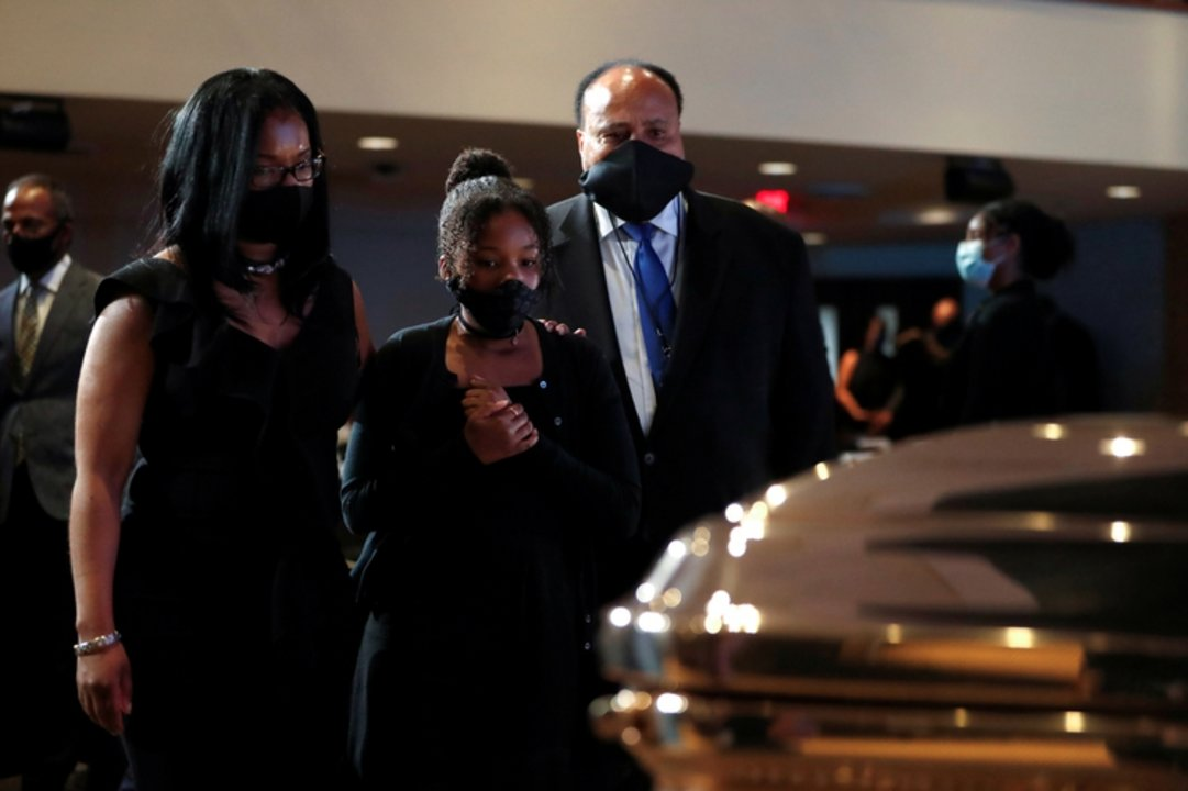 Martin Luther King III y su familia durante el funeral de George Floyd en Minneapolis REUTERS/Lucas Jackson