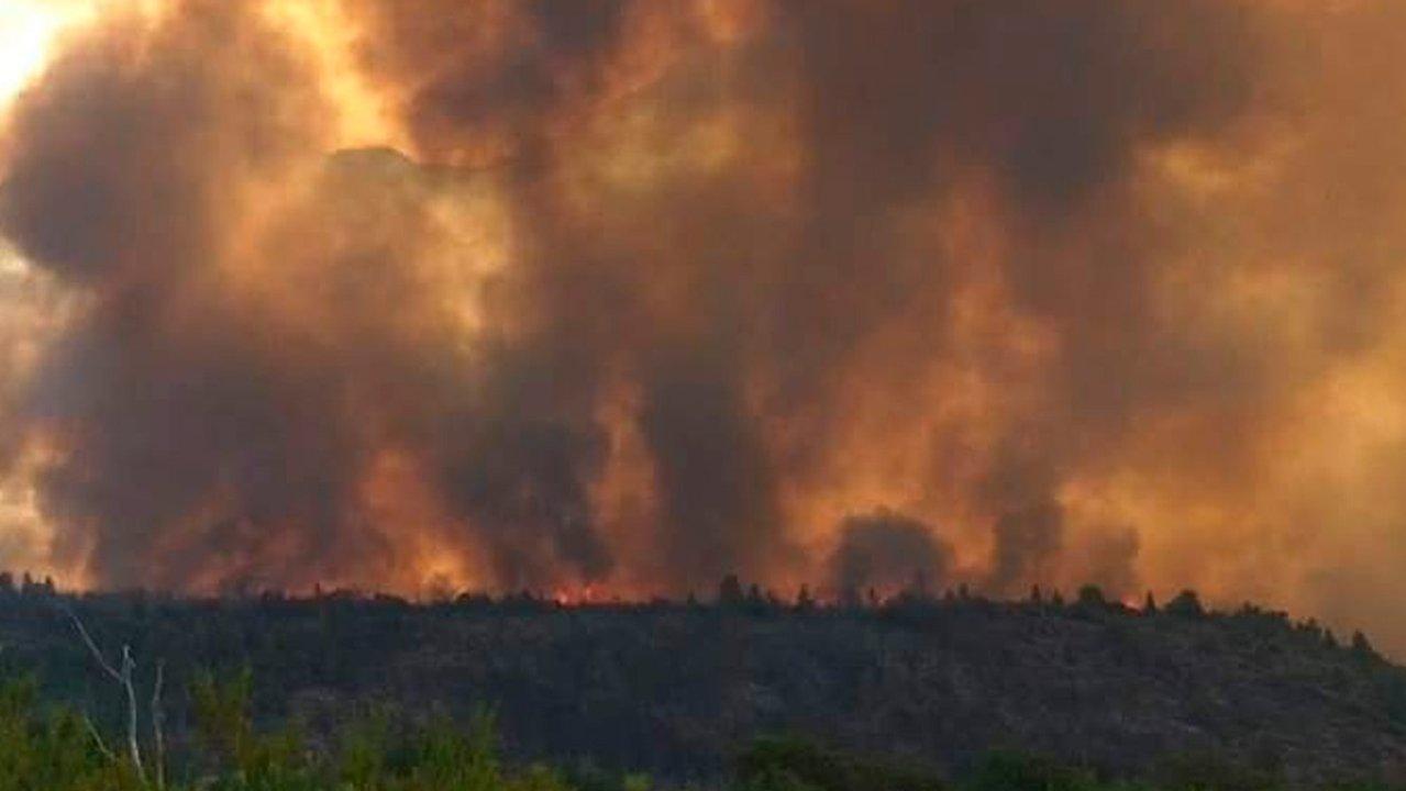 Resultado de imagen para Los 250 brigadistas que combaten el incendio